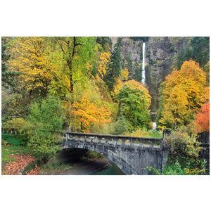 Autumn at Multnomah Falls, Oregon